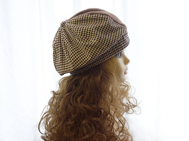 帽子モデル横顔
