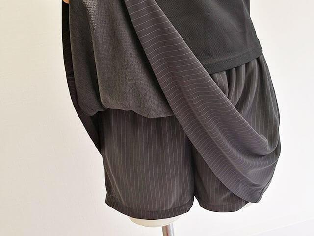 スカートの中に共布パンツ