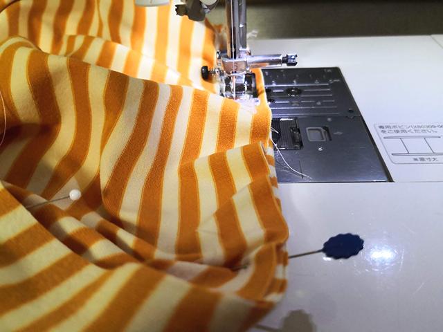 裾を仮縫い