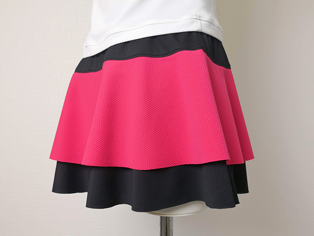テニススコートの裾